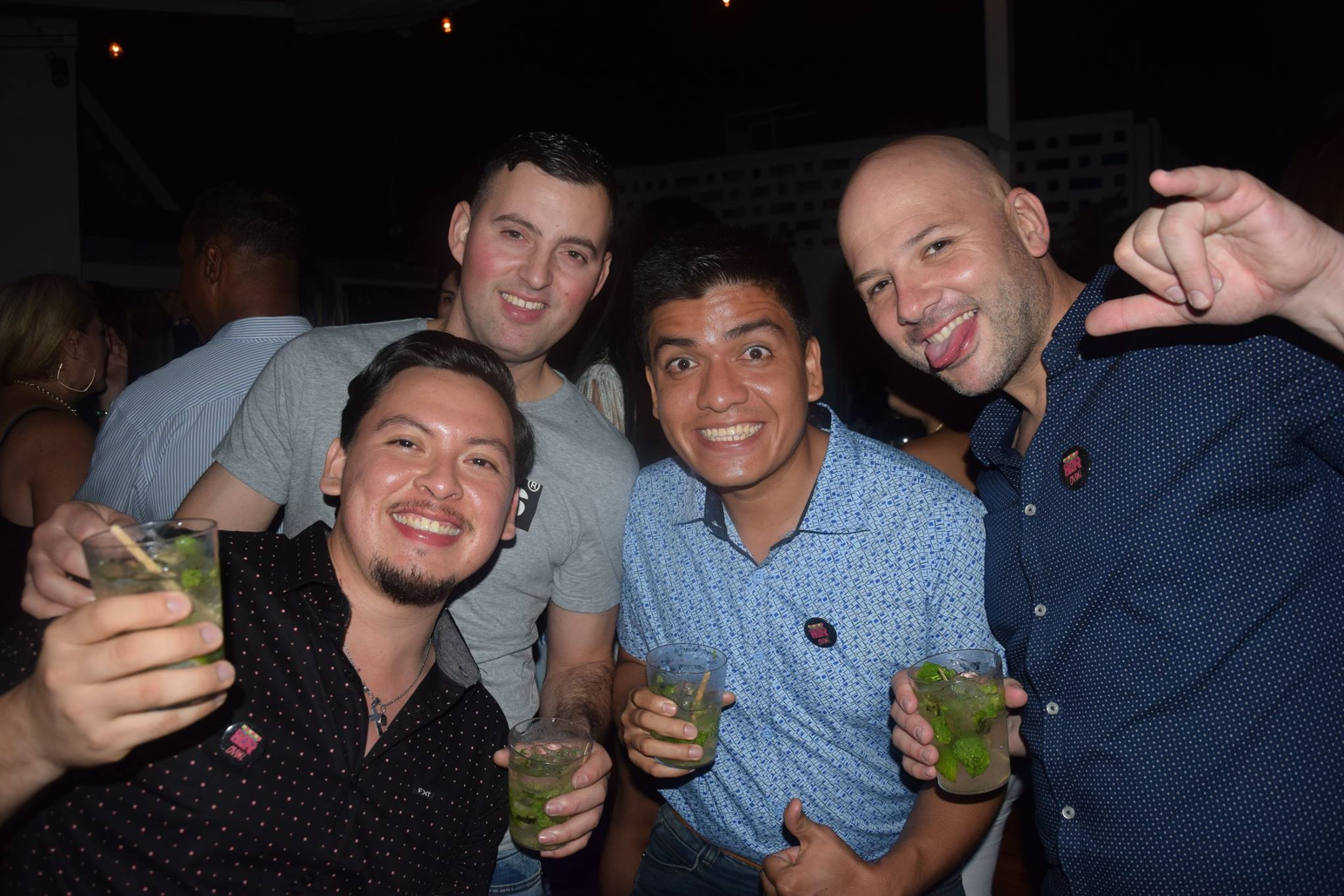 Panama-bar-crawl-team-building (2)