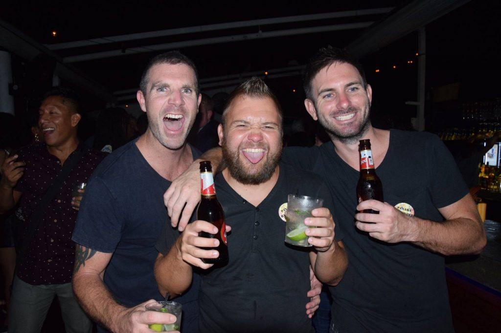 panama bar crawl - guys